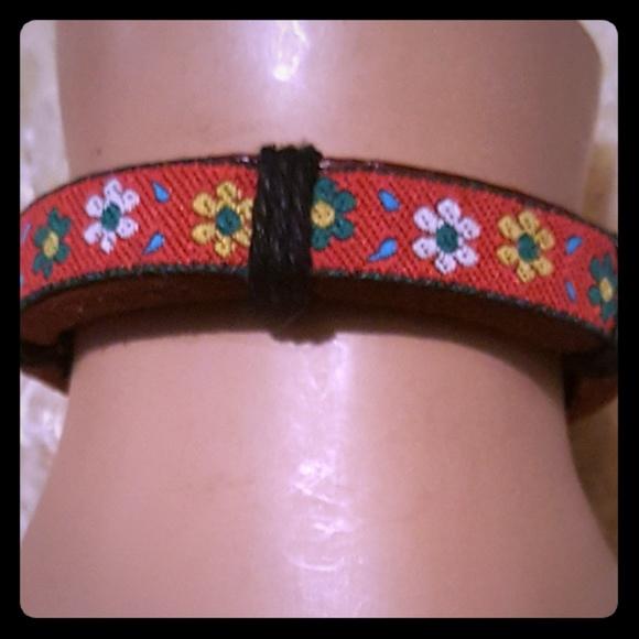 Jewelry - Daisies bracelet